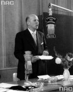 Sekcja polska Radia Wolna Europa  rozpoczęła nadawanie  3 maja 1952 roku.  Przed mikrofonem  Jan Nowak Jeziorański