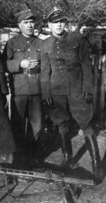 """Eugeniusz Kokolski """"Groźny"""" (na fotografii pierwszy z prawej)"""