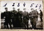 """Grupa żołnierzy  XV Okręgu NZW  z oddziałów """"Ciemnego"""" i """"Zbycha"""", 1947 r."""