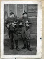 "Antoni Struniawski ""Huragan"" i Jerzy Żebrowski :""Konar"", syn komendanta ""Bąka"", 1948 r."