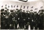 """Komendant Kazimierz Żebrowski """"Bąk""""  (oznaczony cyfrą 4) przed szeregiem żołnierzy XV Okręgu NZW"""