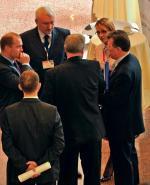 W kuluarach VI Forum Samorządowego, z lewej strony – prezydent Szczecina Piotr Krzystek