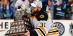 Bramkarz Bruins Tim Thomas z nagrodą dla MVP finału