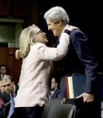 Hillary Clinton i John Kerry.  Zmiana u steru dyplomacji najważniejszego państwa świata