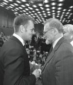 Donald Tusk i Bronisław Geremek jeszcze w Unii Wolności (2000 r.)