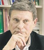 Leszek Balcerowicz  – jego plan reform ustablizował ceny  w latach 90.