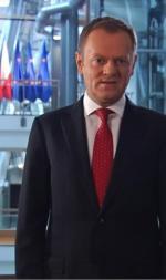 Donald Tusk zapowiedział w niedzielę konsultacje w sprawie wydawania środków unijnych.  – Zamierzam się w nie osobiście zaangażować. W najbliższych miesiącach ruszam w Polskę  – zadeklarował. Podczas specjalnego wystąpienia wyemitowanego przez TVP mówił,  że pieniądze z budżetu UE powinny iść na bezrobotnych. – Tam gdzie się buduje,  tam jest praca – podkreślał szef rządu.