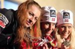 Justyna Kowalczyk, Marit Bjoergen i Therese Johaug – medalistki na 30 km. Ich rywalizacja to główna atrakcja kobiecych biegów