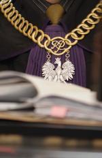 Prokuratura zawiesiła śledztwo i czeka na Lazarowicza