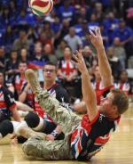 Książę Harry zagrał w siatkówkę na siedząco w Colorado Springs przed rozpoczęciem paraolimpiady dla żołnierzy Warrior Games