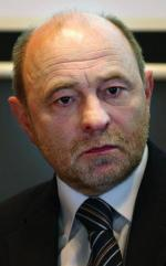 Bogusław Sonik zachęca rząd – w którym za łupki odpowiada Piotr Woźniak – do złagodzenia przepisów.