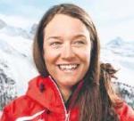 Daniela Perren delektuje się każdą minutą swojej pracy jako instruktor narciarstwa.  W słońcu i śniegu zaraża gości swoim śmiechem.