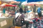 Boulevard duCentenaire wstolicy Senegalu. Władze miasta chcą się stąd pozbyć chińskich hurtowników iafrykańskich sprzedawców chińskich towarów