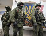 Rosyjscy żołnierze blokują posterunek ukraińskiej straży granicznej w Perewalnym