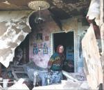 Zrujnowany dom 80-letniej emerytki po walkach z separatystami na przedmieściach Słowiańska