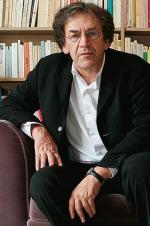 Alain Finkielkraut jest francuskim filozofem ieseistą żydowskiego pochodzenia. Jego rodzice pochodzili zPolski. Wprzeszłości był uważany za lewicowca związanego zmłodzieżową kontestacją 1968 roku, obecnie podkreśla swoje związki zideałami republikanizmu iostrzega przed islamizacją Francji.