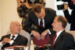 Po objęciu  teki ministra sprawiedliwości przez Zbigniewa Ćwiąkalskiego   w 2007 r.  ruszyły prace  nad projektem załoźeń do ustawy, która miała umożliwić fuzję zawodu adwokata i radcy prawnego