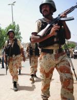 Lotnisko Dżinna w Karaczi. Patrol wojskowy po ataku talibów