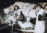 """Irena Ponikowska, ps. Rena (z lewej), była sanitariuszką.  Syn znalazł jej zdjęcie na stronie akcji """"Rozpoznaj"""""""