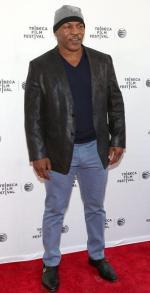 Mike Tyson z powodzeniem promuje polski napój energetyczny Black