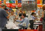Wielu Polaków utożsamia handel z pracą sprzedawcy czy kasjera w markecie