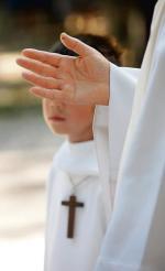 """Według informacji """"Rz"""" sprawy dwóch zawieszonych księży są ze sobą powiązane"""