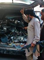 ≥Rakka w północnej Syrii, stolica samozwańczego Państwa Islamskieg Bojownicy pakują do bagażnika szczątki amerykańskiego drona. Ich zdaniem rozbił się o miejscową wieżę telekomunikacyjną