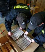 Przemyt i nielegalna produkcja papierosów to jedna z najbardziej dochodowych gałęzi przestępczego biznesu