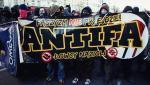 Członkowie Antify regularnie zakłócają imprezy organizowane m.in. przez skrajną prawicę.  Na zdj. grupa antyfaszystów podczas Święta Niepodległości w Warszawie w 2011 r.  Na pl. Konstytucji doszło wówczas do starć z policją.