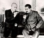 Od 100 zł rozpocznie się licytacja historycznej fotografii przedstawiającej premiera Józefa Cyrankiewicza ze Stalinem