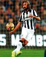 Andrea Pirlo od zawsze był uważany za specjalistę od rzutów wolnych. W Serie A zdobył w ten sposób już 25 bramek