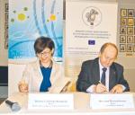 Porozumienie podpisali Bożena Lublińska-Kasprzak, prezes Polskiej Agencji Rozwoju Przedsiębiorczości  i Krzysztof Pietraszkiewicz, prezes Związku Banków Polskich