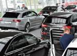 W Polsce  ok. 60 proc. aut  luksusowych kupowanych jest przez firmy. Reszta przypada  na klientów indywidualnych  i wypożyczalnie