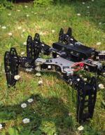 Maszyna wygląda jak monstrum, ale wyposażona jest w wyrafinowaną inteligencję