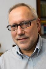 prof. Mirosław Miller, Międzynarodowe Laboratorium Silnych Pól Magnetycznych  i Niskich Temperatur PAN, Wrocław