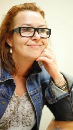 """Elżbieta Cherezińska (ur. 1972), jedna z ciekawszych autorek powieści historycznych (m.in. """"Legion"""" i """"Niewidzialna korona"""")"""