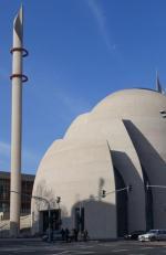 Jeden z największych meczetów Niemczech w Kolonii zbudowany z pieniędzy tureckich