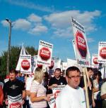 Przeciwko kopalniom odkrywkowym protestują ekolodzy  i niektóre społeczności lokalne
