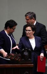 Ewa Kopacz o władzę nad Klubem Parlamentarnym PO walczyła do ostatniej chwili. Gdy składała dymisję rządu,  ostro zaatakowała PiS