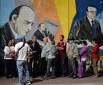 Kolejka przed jednym z lokali wyborczych w Caracas. Po raz pierwszy od 17 lat opozycja ma szansę wygrać wybory do 167 osobowego parlamentu