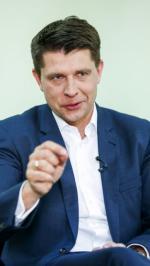Sondaże Nowoczesnej rosną, bo przeciwstawiła się PiS, a nie zaczęła wojnę religijną  – przekonuje lider partii Ryszard Petru