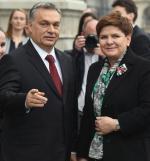 Poniedziałkowe spotkanie w Budapeszcie – Viktor Orban wskazuje drogę Beacie Szydło