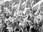 Demonstracja KOD w obronie byłego prezydenta była aktem niemal religijnym – uważa autor