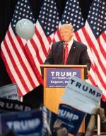 Trumpa popiera już 45 proc. wyborców, Clinton – 48 proc. Fot. Rob Kerr