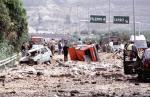 Giovanni Falcone zginął 23 maja 1992 w zamachu bombowym na autostradzie koło Capaci (Sycylia). Mafia podłożyła silną bombę na odcinku autostrady, którym miał podróżować Falcone, zaminowując  wręcz prawie 100-metrowy jej odcinek (ok. 350 kg materiałów wybuchowych)