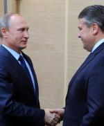 Sigmar Gabriel jest częstym gościem rosyjskiego prezydenta. Na zdjęciu: spotkanie w październiku ubiegłego roku