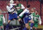 W najlepszych czasach Stomil walczył w ekstraklasie. Na zdjęciu: mecz z Legią Warszawa w październiku 1999 roku.