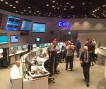 Zespół w Darmstadt na wieść o odebraniu sygnału z orbitera rzucił się sobie w ramiona.