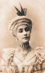 Polka Matylda Krzesińska, pochodząca z zubożałej rodziny szlacheckiej tancerka Teatru Maryjskiego, zawładnęła sercami aż trzech potomków panującej dynastii, w tym ostatniego cara Mikołaja II