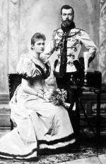 Oficjalne zdjęcie carewicza Mikołaja i księżniczki heskiej Alicji po ogłoszeniu ich zaręczyn. Po ślubie małżonka Mikołaja II Romanowa przyjęła imię Aleksandra Fiodorowna